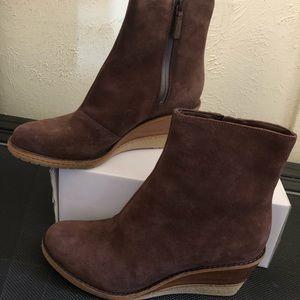 Stylish wedge boots